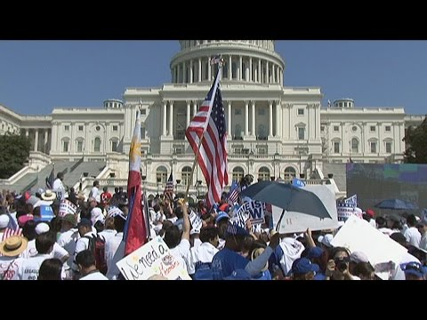 si, Se Puede Chant At Immigration Reform Rally At U.s. Congress. Stock Footage
