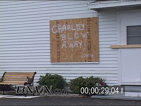 8/13/2004 Hurricane Charley, Part 2 - Last minute prep work in St. Petersburg, FL
