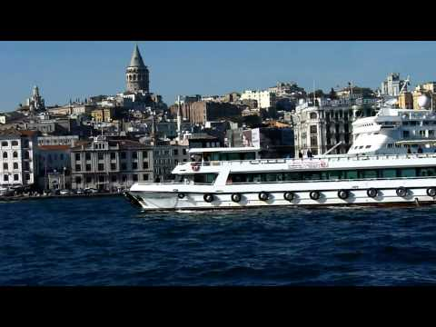 Mini footage - Ships on the Bosphorus and Golden Horn (Istanbul, Turkey)