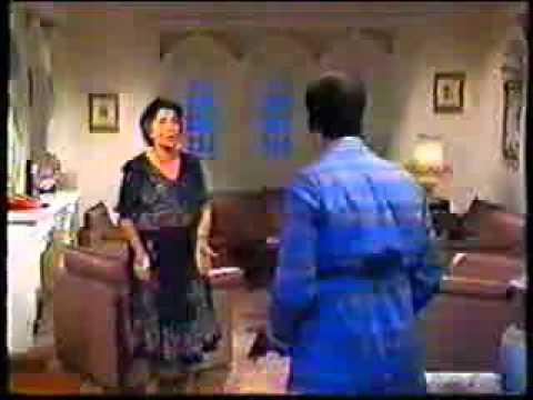 أروع مشهد من ليالى الحلمية محسنة توفيق