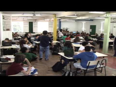 Professores de diferentes disciplinas se reúnem para planejar aulas - Jornal Futura - Canal Futura