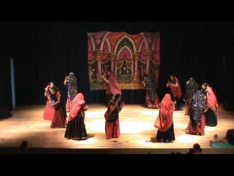 Dholi Taro Dhol Baje Gujarati Group video