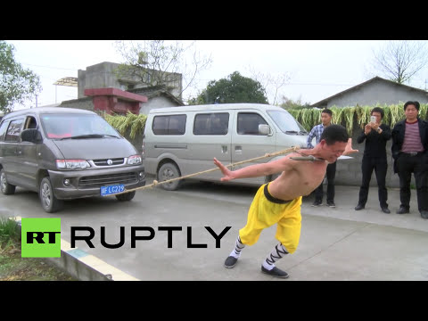 Crazy Video: Nothing can break this Shaolin kungfu master