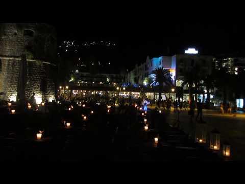 zene , tánc este Budvában