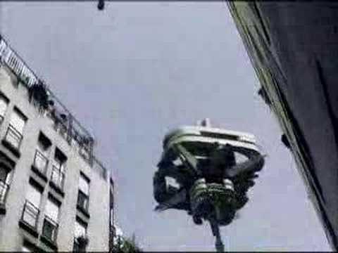 UFO OVER PARIS