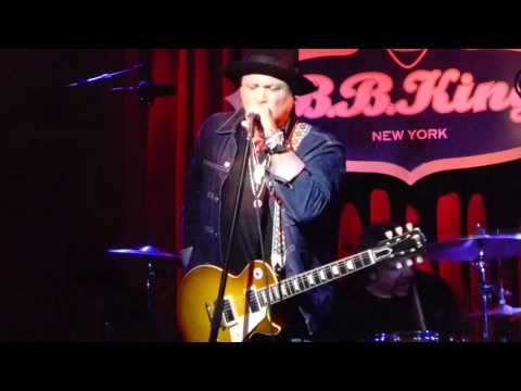 WHITFORD St. HOLMES Sharpshooter LIVE Bb Kings NEW YORK November 18, 2015