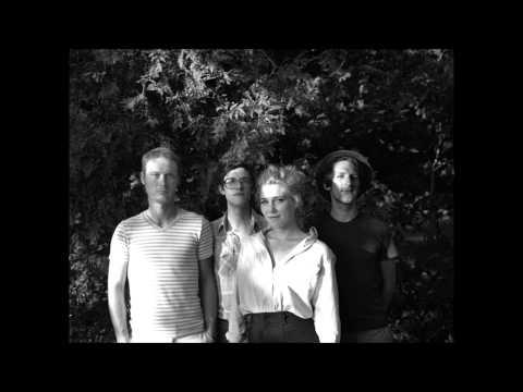 Caroline Smith And The Good Night Sleeps - Birch Trees And Broken Barns