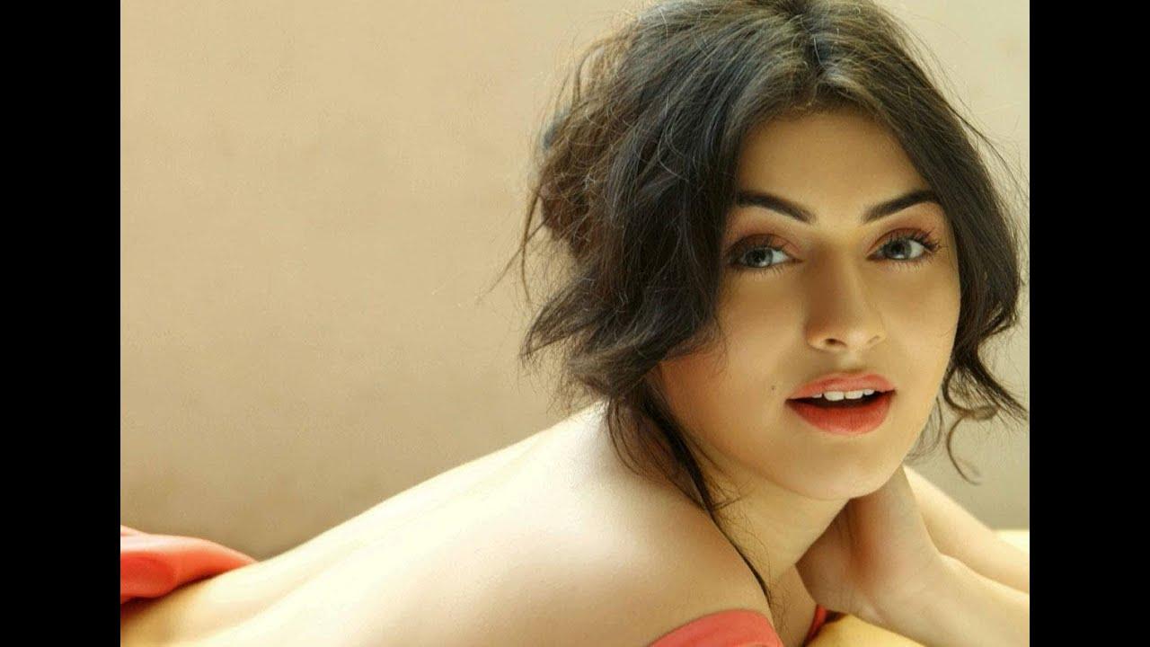 nayanthara kiss   viewing gallery