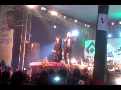 Alka Yagnik Live - Aisi Deewangi.
