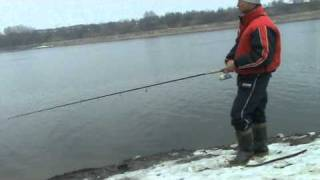 Moscow river spinning fishing 02.04.2011.mpg