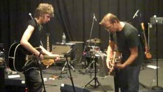 NYE Rehearsal 2 - Micko Larkin and Simon Kirke caught jamming out a Bad Company tune