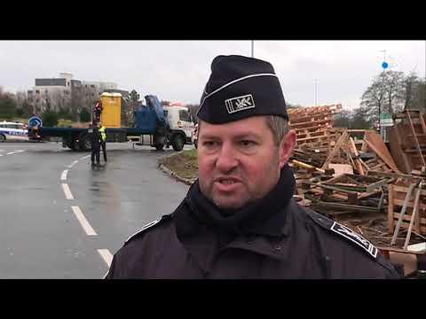 Brest  : Les Gilets Jaunes Expulsés Du Rond Point De Pen-ar-C'hleuz