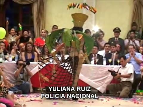 TRAJE TIPICO CANDIDATAS A REINA SD 2010 2.mpg