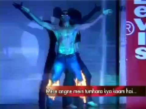 Akshay Kumar enters Shahrukh Khans Territory