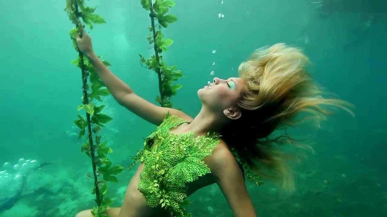Underwater Fashion Photo Underwater Fashion Nicole