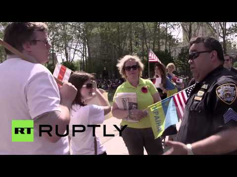 USA: Pro-Kiev protesters disrupt WWII V-Day ceremony