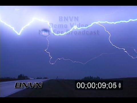 4/3/2007 Lightning footage at night from Mason City Iowa stock video