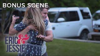 """Eric & Jessie"" Play Super-Cute Family Kickball Game | E!"
