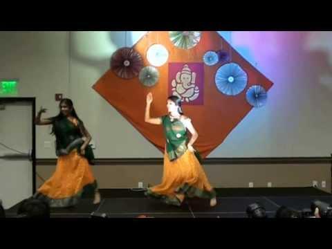 Sindhu and Niveda Chane Ke Khet Mein