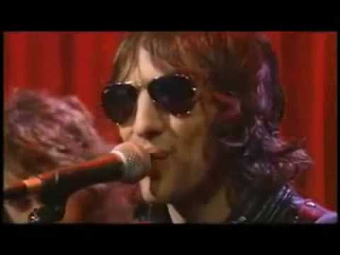 Dr Feelgood - World Keeps Turning
