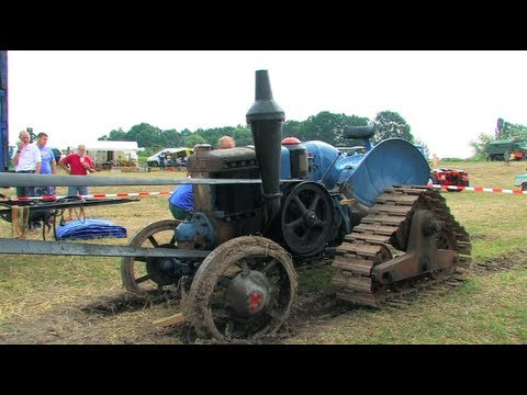 Dreschen mit dem Lanz Bulldog - Tractor start, run and threshing