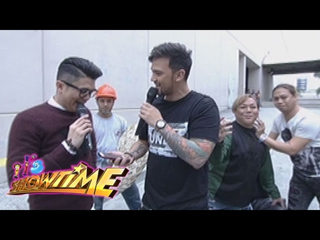 It's Showtime: Vhong and Billy go out of the Showtime Studio | Mannequin Challenge
