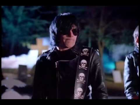The Ramones - Pet Sematary (Video Oficial)
