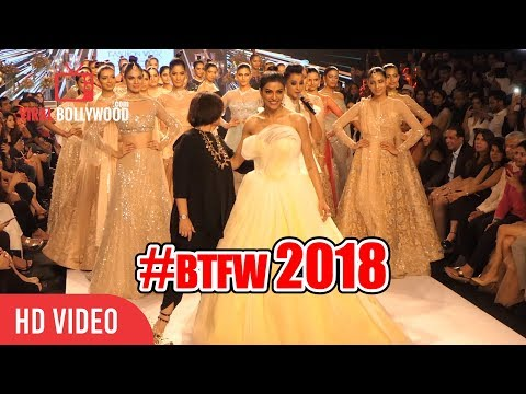 DANCING Ramp Walk By Sushmita Sen at Bombay Times Fashion Week 2018