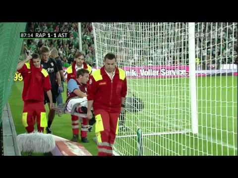 Rapid Wien Fans bewerfen, bespucken und beschütten Spieler von Aston Villa (Andreas Weimann)