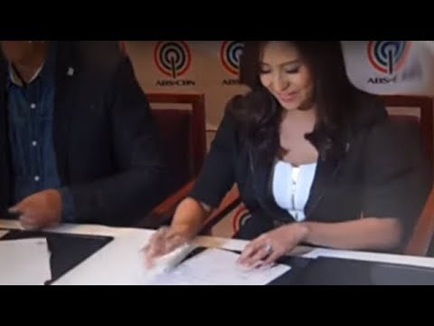 Jolina Magdangal officially signs ABS-CBN contract