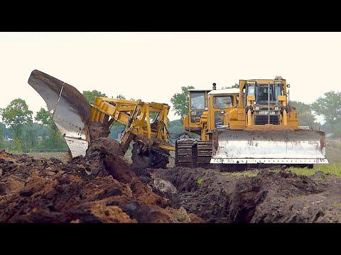 World's biggest plow   Deep ploughing   Caterpillar D8H /E /D6R 650HP   Bijker diepploegen
