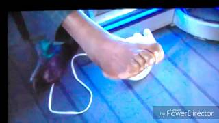Shaquille O'Neal shows deformed toes(MUST WATCH)