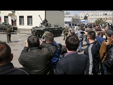 Ukrainian troops allegedly desert to join pro-Russian forces in Slavyansk