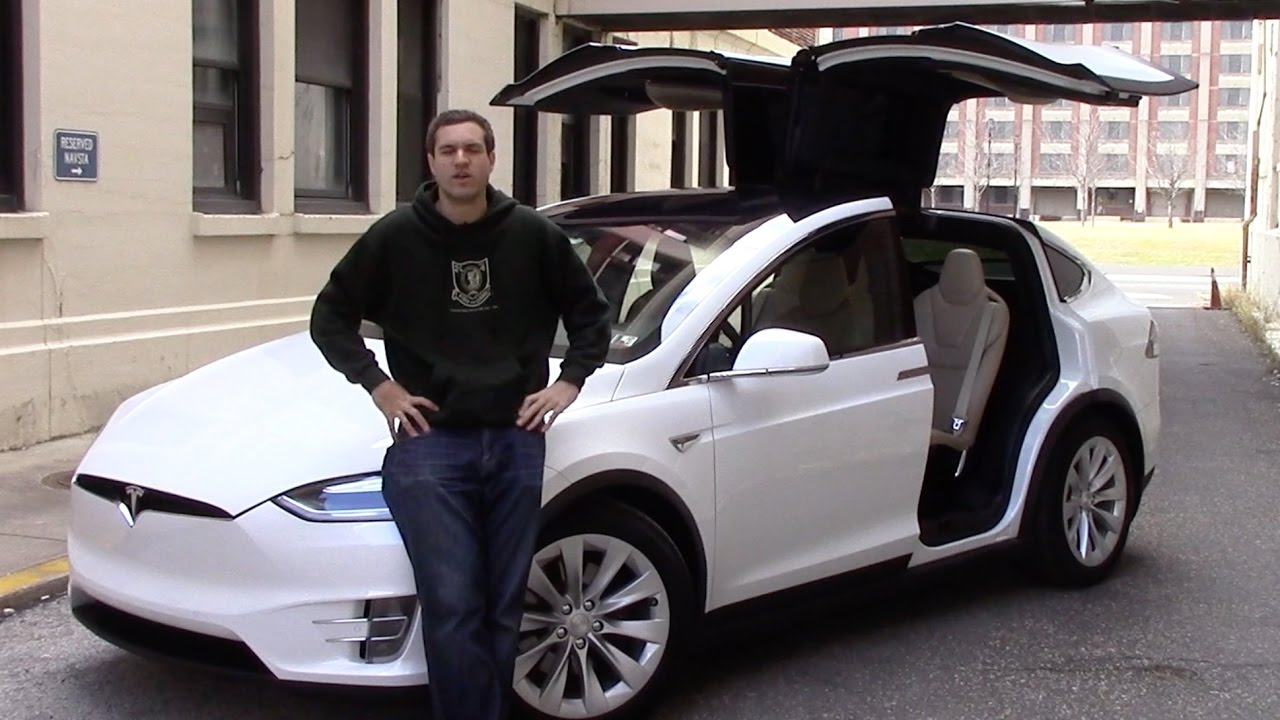 Man Attempts To Explain Why The Tesla Model X Is Such A Terrible Car