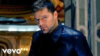 Watch Ricky Martin Frio video