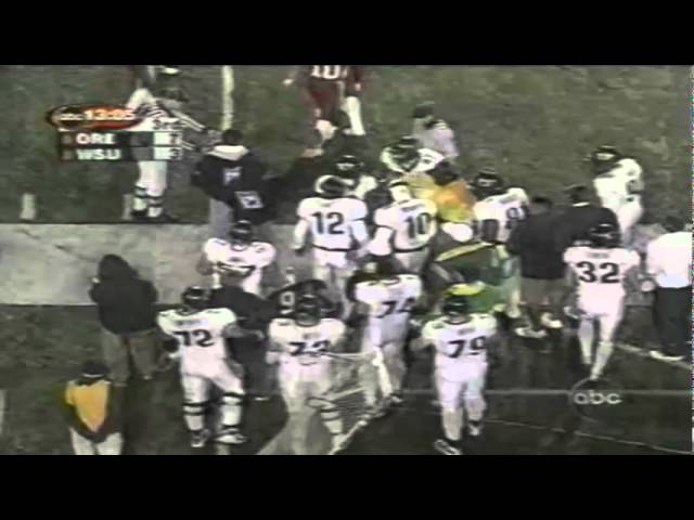 Oregon RB Onterrio Smith shakes four WSU defenders for a 1st down 10-27-01