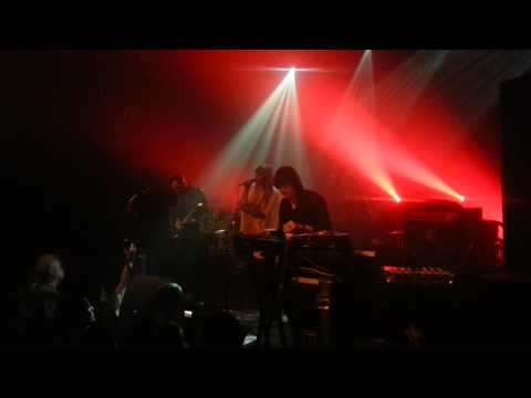 Chromatics - Running Up That Hill (Kate Bush cover) (live @ Basen, Warszawa)