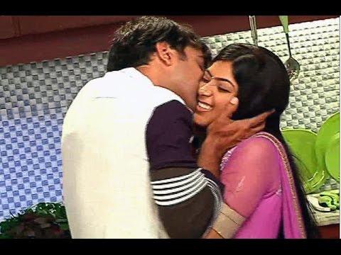 Suhani Si Ek LAdki | Yuvraj KISSES Suhani | 25th May 2015 Full Episode