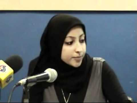 Maryam Al Khawaja Speaking about the descromination to shia in bahrain.flv