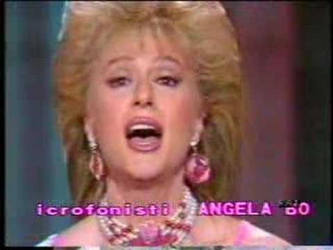 Loretta Goggi - Non La Puoi Chiamare Vita