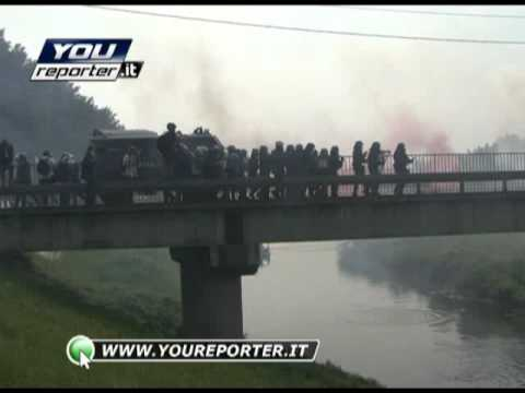 Scontri a Vicenza: lacrimogeni, incendio e caos – video da YouReporter.it