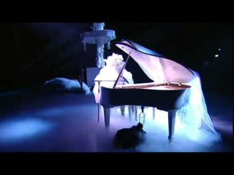 Lady GaGa - Telephone (Acoustic) & Dance in the Dark [Live on the 2010 BRITs]