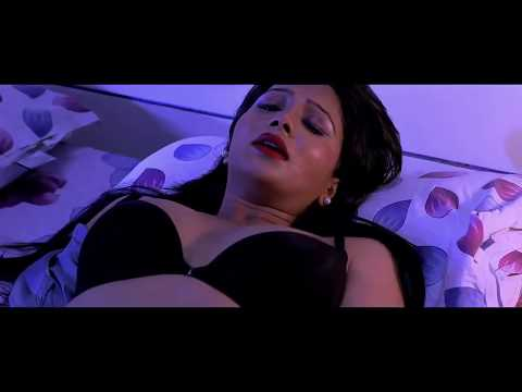 mallu aunty romance on bed thumbnail