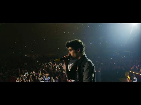 Zayn Malik Booed At Concert By One Direction Fans! (VIDEO)
