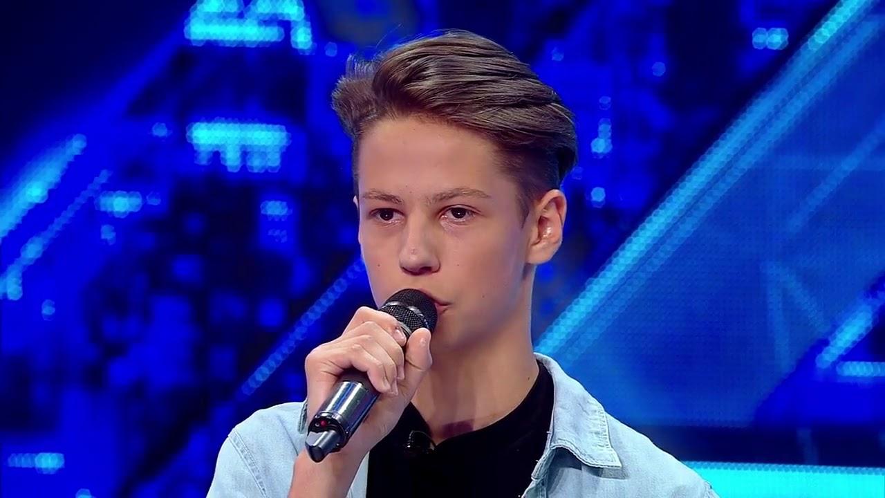 Prezentare. Teodor Debu, relaxat și plin de încredere pe scena X Factor