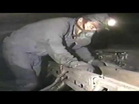 En el interior de la mina (Rozadora tajo mecanizado )