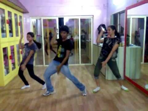Dhinka chika ready Dance by Kunal (Dance floor) full song.