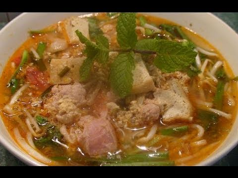 Recipe – Spicy Crab and Pork Soup (Bun Rieu)