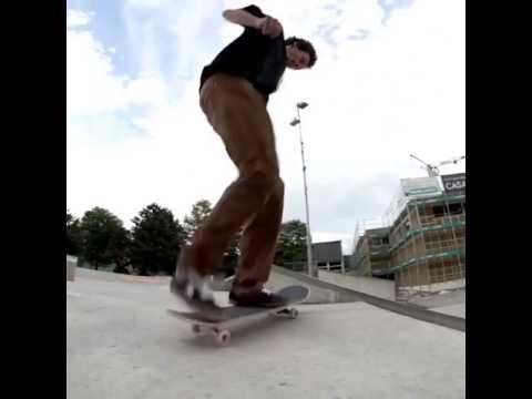 👣 @jonny_chinaski_giger 🎥: @mike_myson   Shralpin Skateboarding