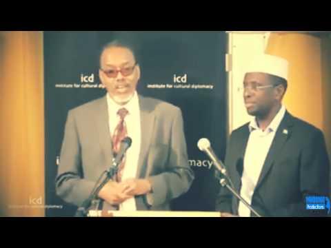 Sheikh Shariif Sheikh Ahmed - Oo sheegay in ey sax ula muqato in uu Salamo Hillary clinton